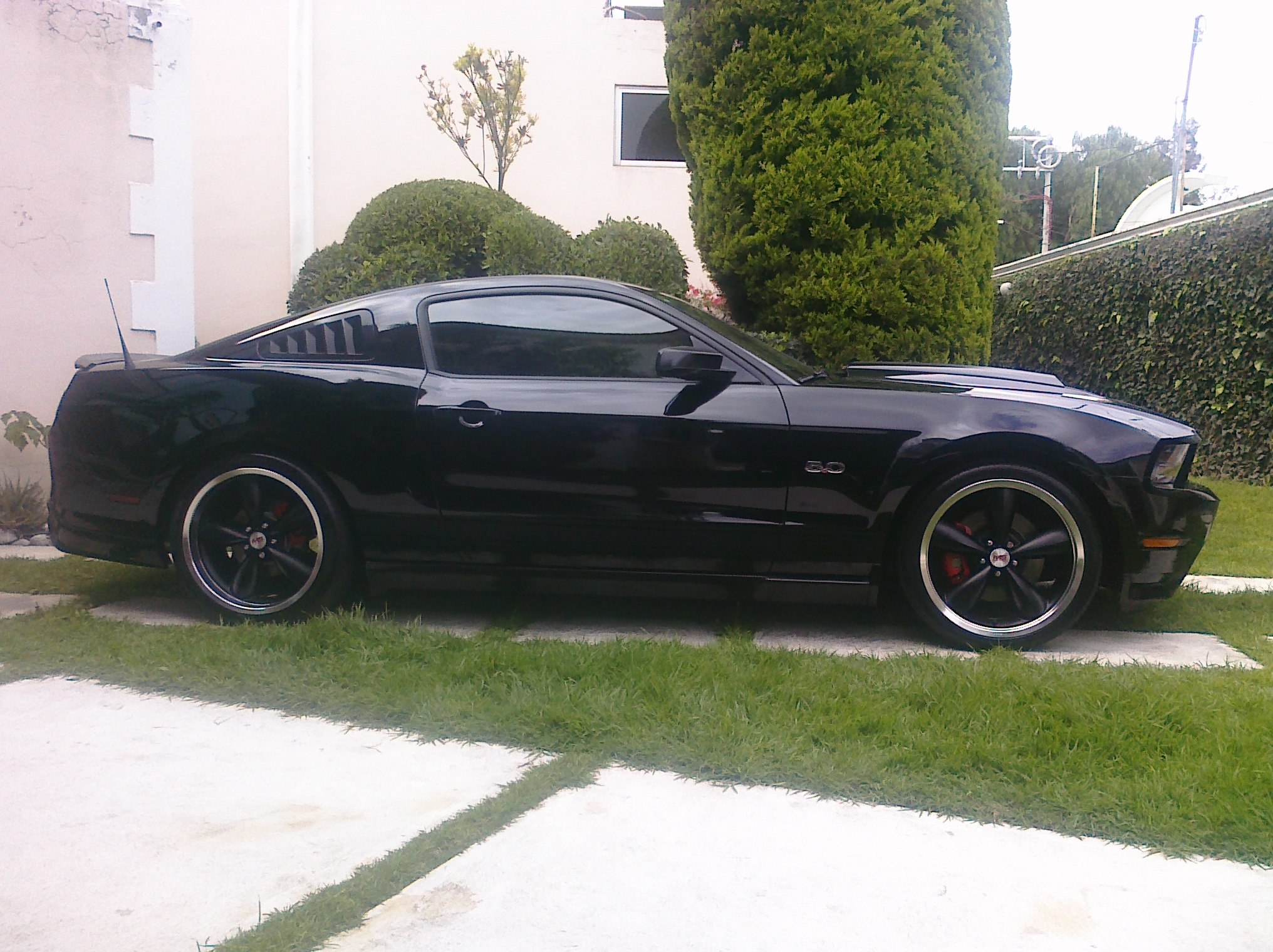 Another Blk_GT 2011 Ford Mustang post... - 14680816