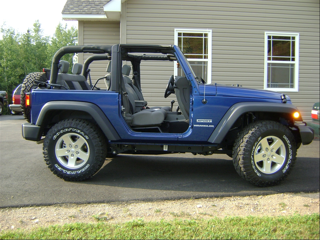 jeep wrangler unlimited with 33 inch autos post. Black Bedroom Furniture Sets. Home Design Ideas
