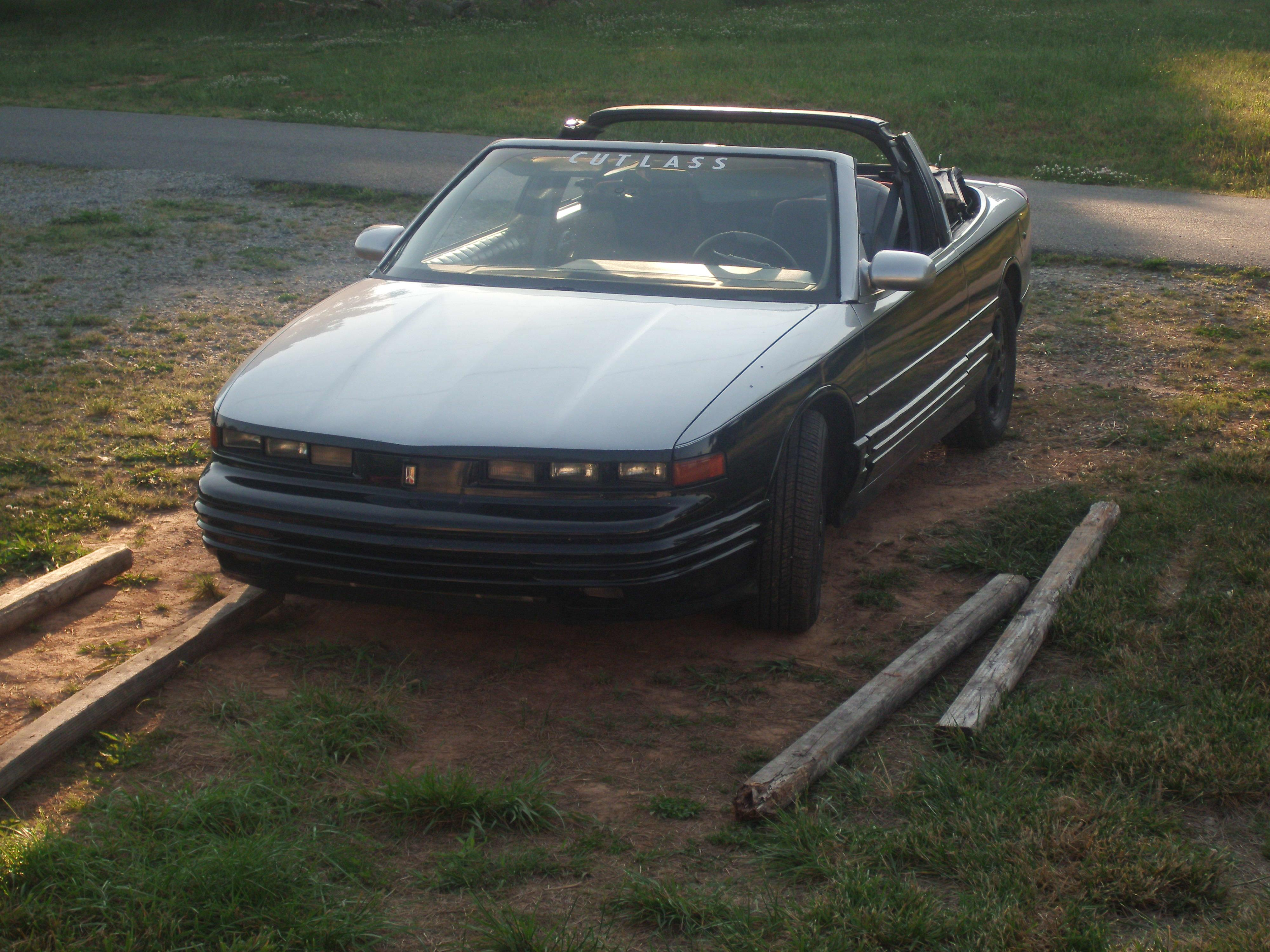Another jeremy_baller06 1993 Oldsmobile Cutlass Supreme post... - 14702535