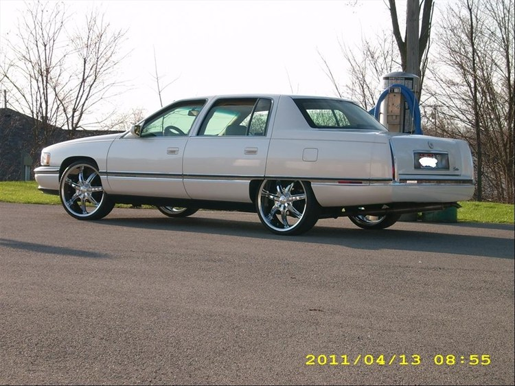 330boyz S 1994 Cadillac Deville Sedan 4d In Youngstown Oh