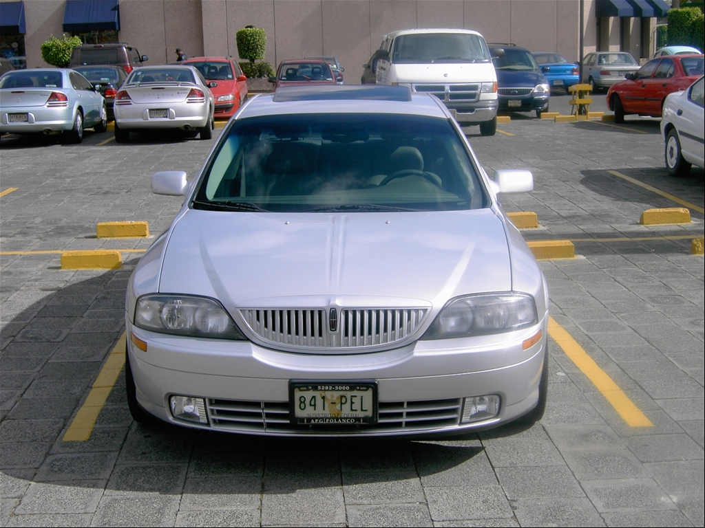 Mart n's Lincoln LS