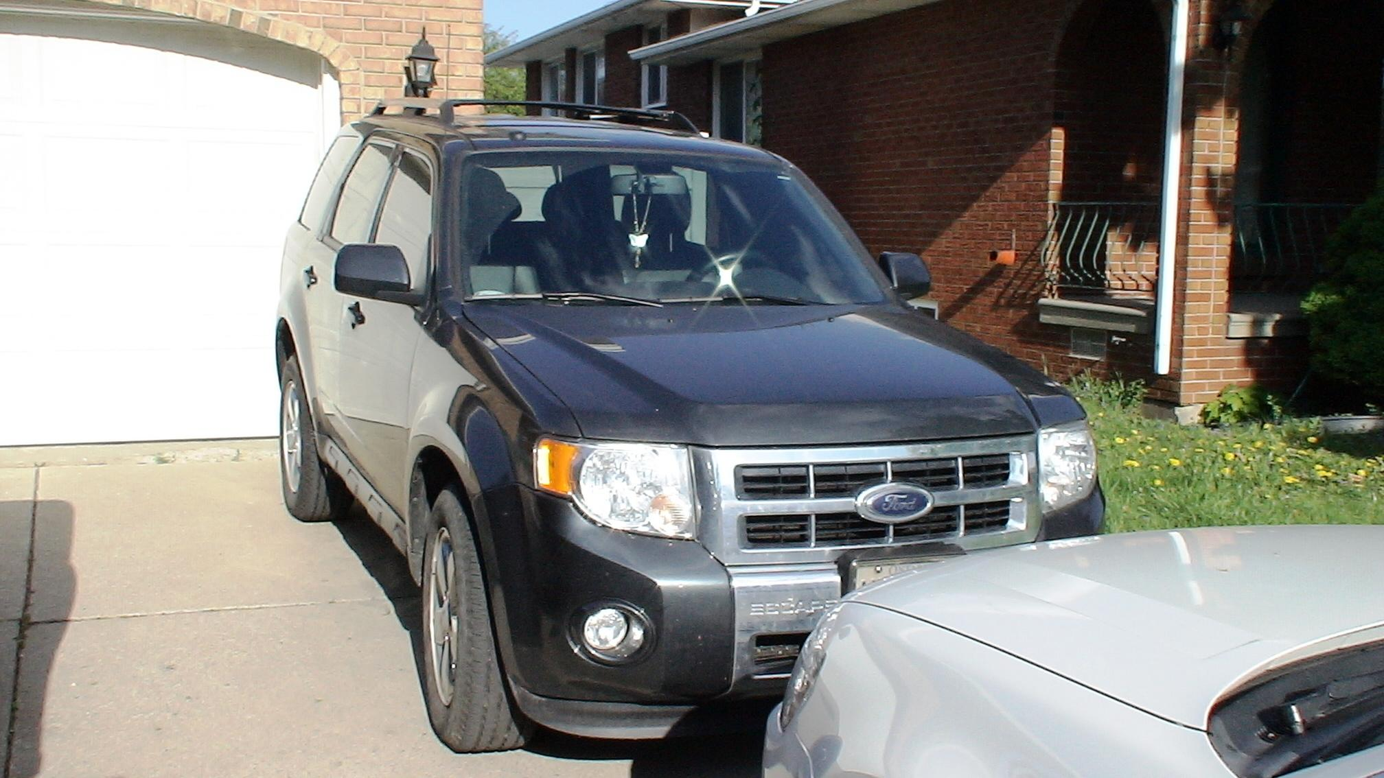 CanadianLonghorn's 2009 Ford Escape