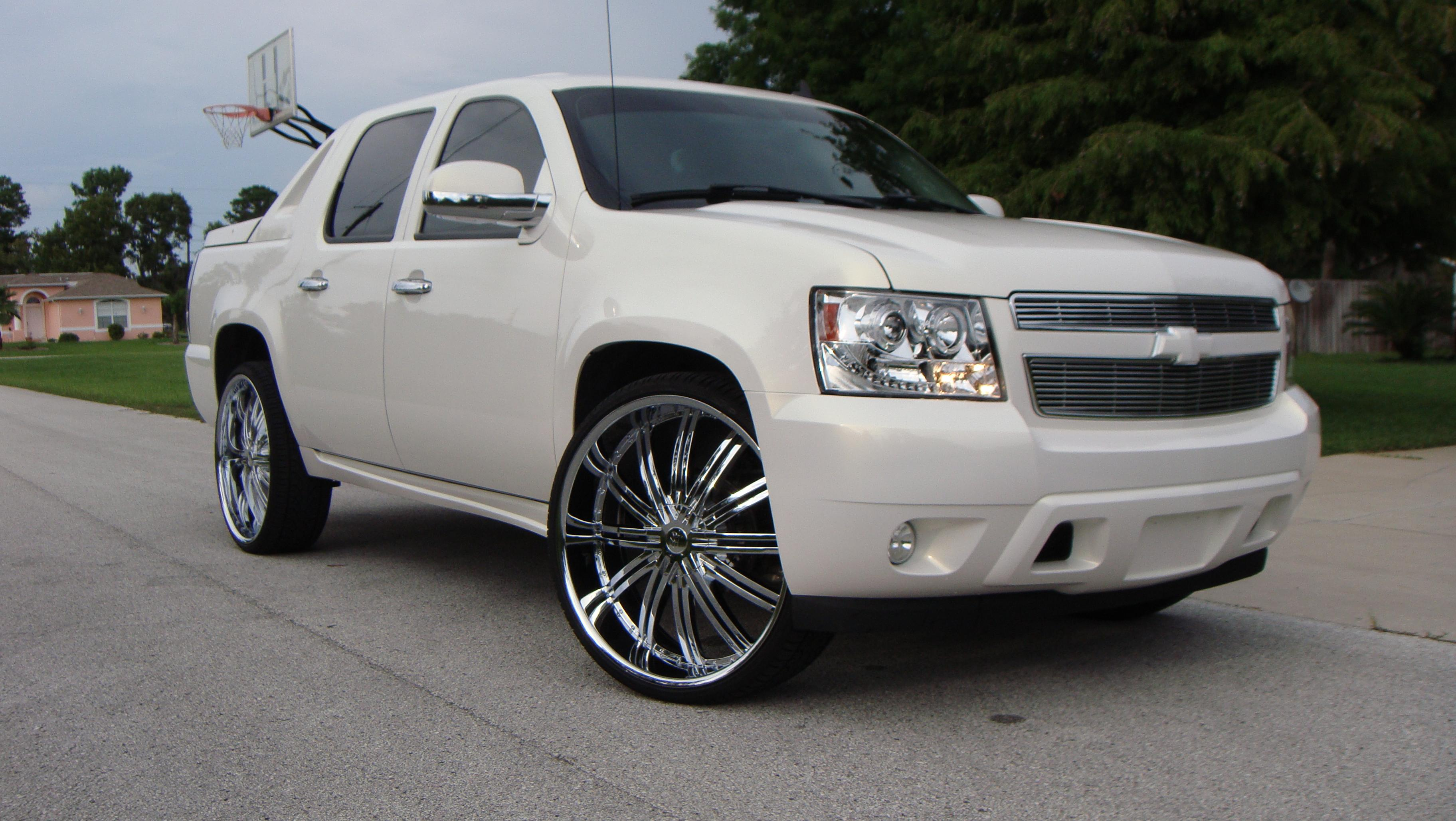 Drobert10 2008 Chevrolet Avalanche Specs Photos