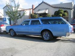 bobbell25 1967 Oldsmobile Vista Cruiser