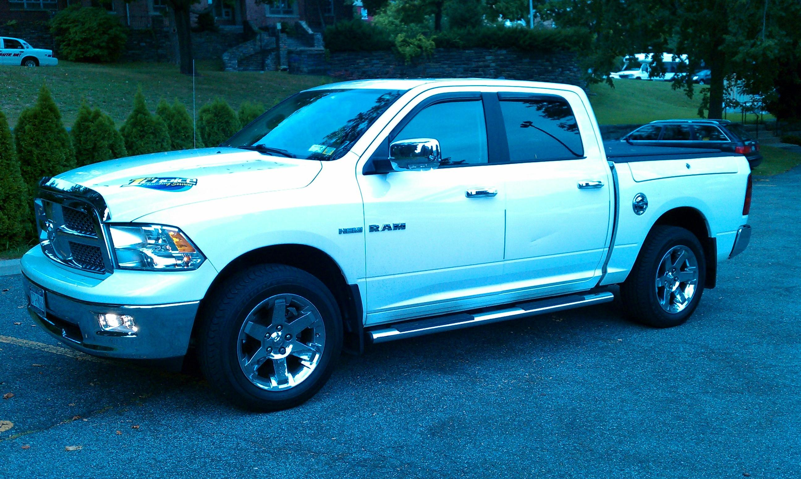 robs1stchoice 2009 dodge ram 1500 crew cablaramie pickup 4d 5 1 2 ft specs photos modification. Black Bedroom Furniture Sets. Home Design Ideas