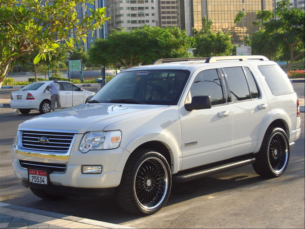 gbsoriaga 39 s 2008 ford explorer xlt sport utility 4d in abu dhabi. Black Bedroom Furniture Sets. Home Design Ideas