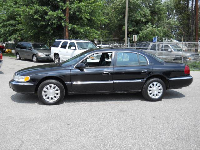 thowdup 2002 Lincoln Continental