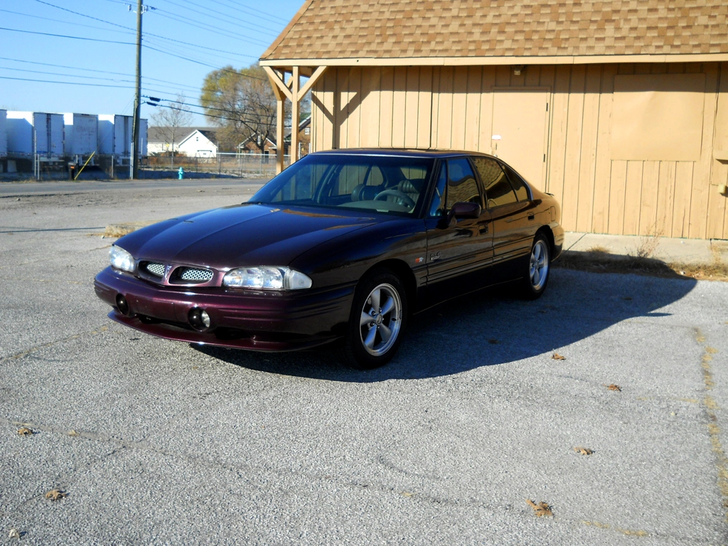 Radomirthegreat 1999 Pontiac Bonnevillese Sedan 4d Specs