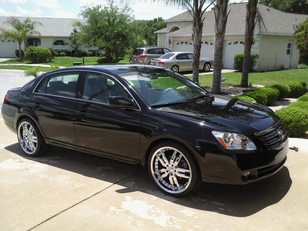 mayimbe069 39 s 2005 toyota avalon xls sedan 4d in tampa fl. Black Bedroom Furniture Sets. Home Design Ideas