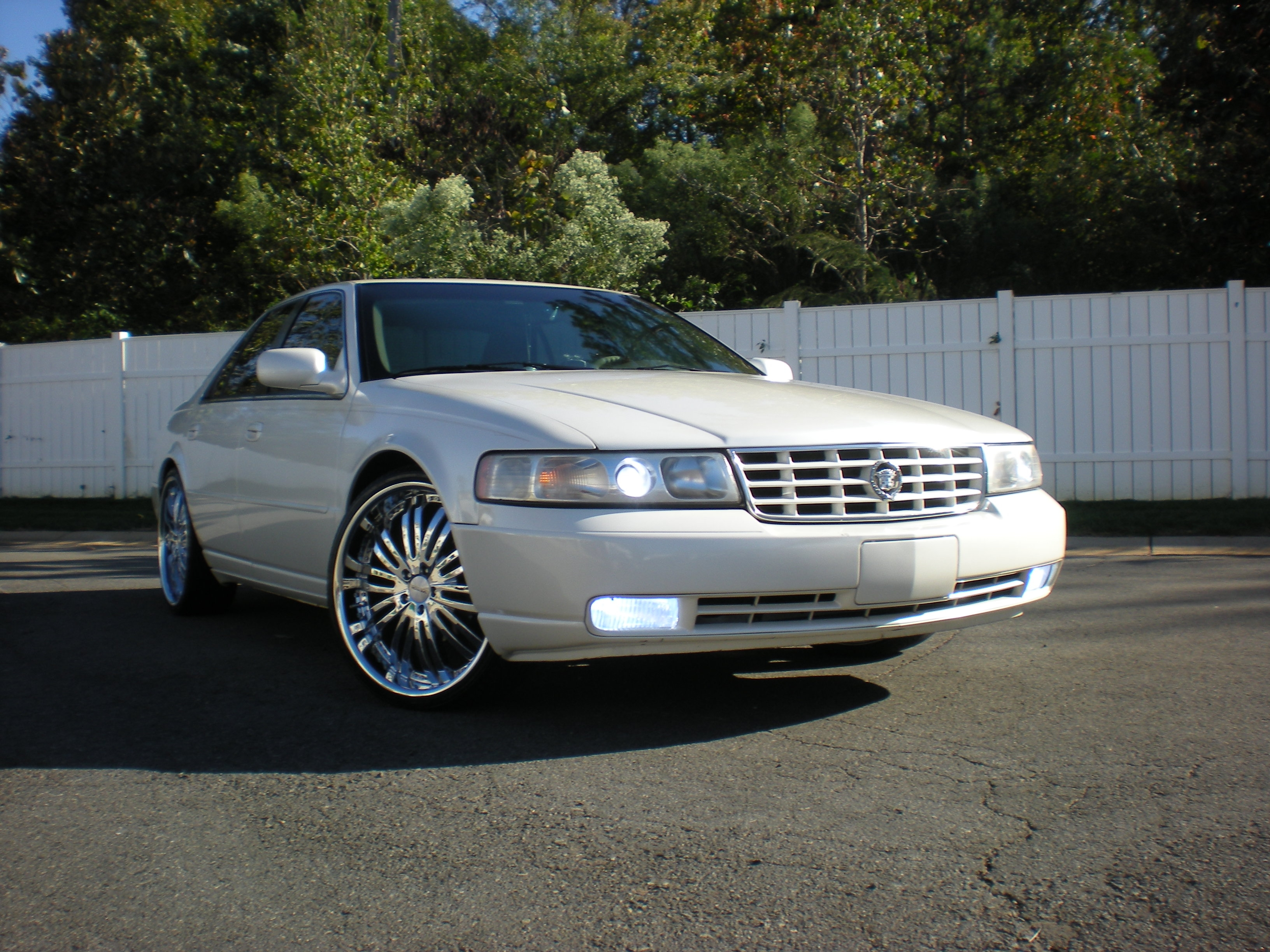 The_bachelor 2001 Cadillac STS