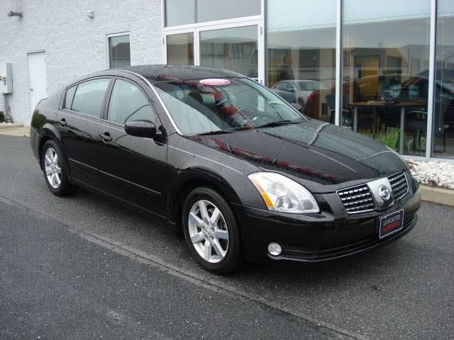 elite eli 39 s 2005 nissan maxima se sedan 4d in providence ri. Black Bedroom Furniture Sets. Home Design Ideas