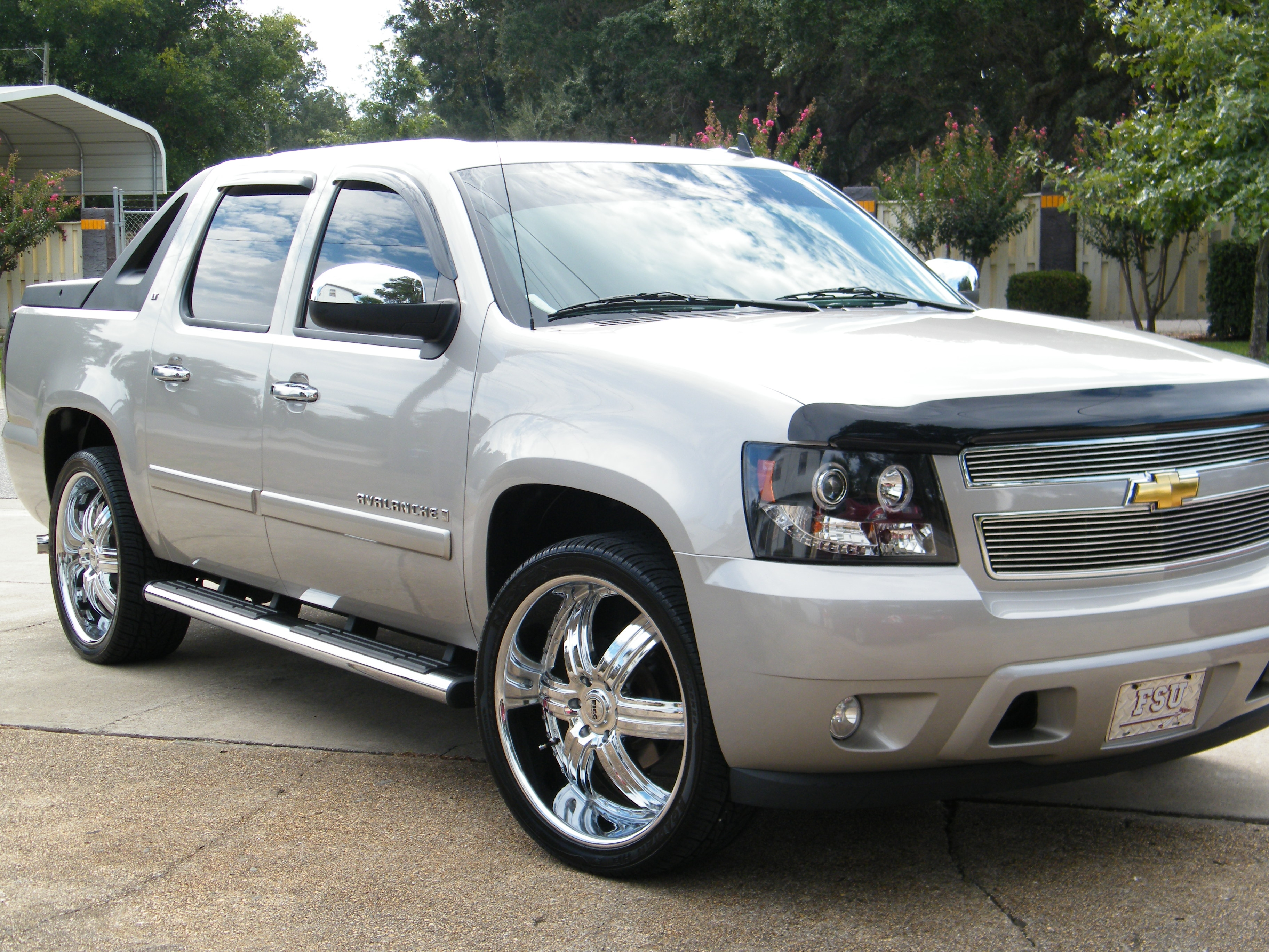 misteralldamnday 2008 chevrolet avalanchelt sport utility pickup 4d 5 1 4 ft specs photos. Black Bedroom Furniture Sets. Home Design Ideas