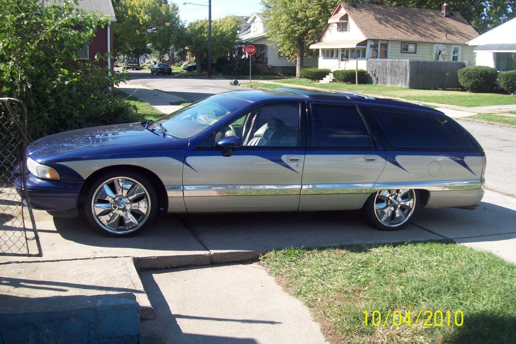 traviswagon1 1993 buick roadmasterestate wagon 4d specs photos modification info at cardomain cardomain