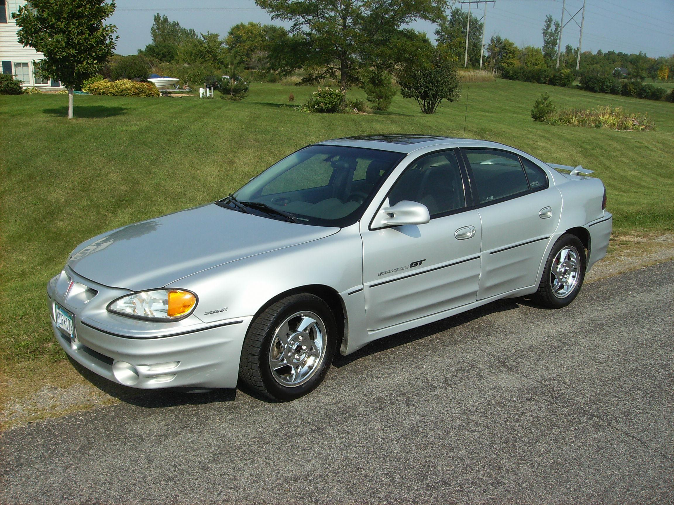 paulsobj 39 s 2002 pontiac grand am gt sedan 4d in shakopee mn. Black Bedroom Furniture Sets. Home Design Ideas