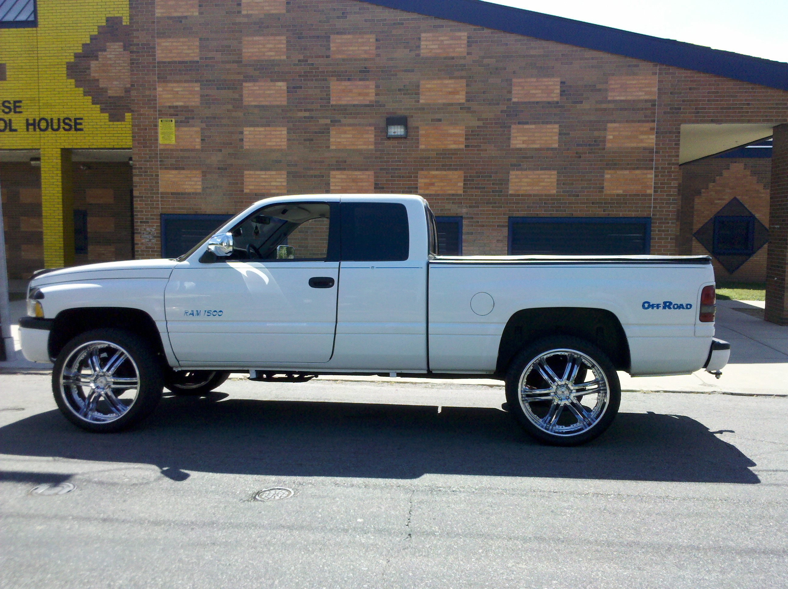 EZE21's 1997 Dodge Ram 1500 Club Cab