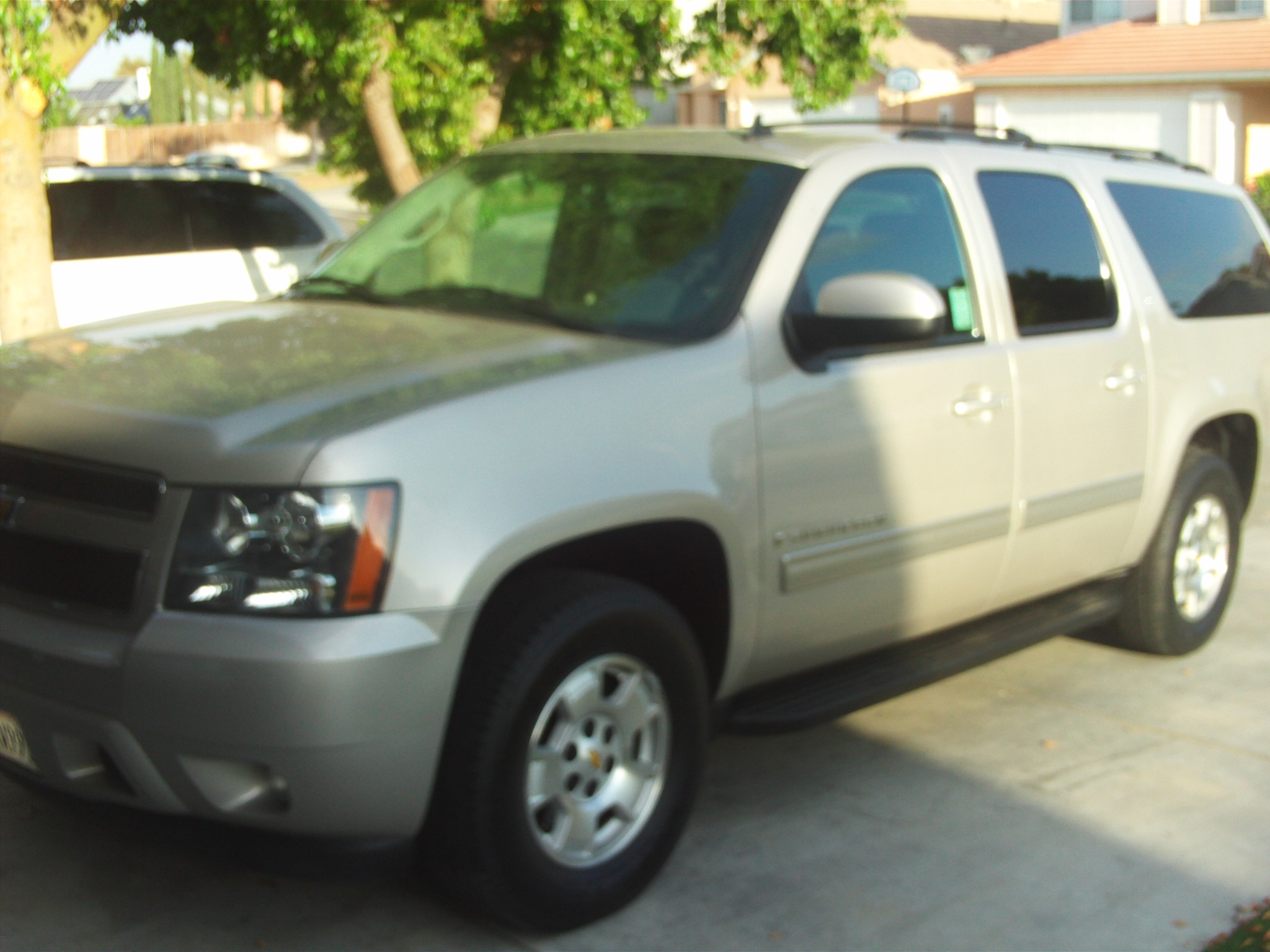 Another victor-heredia 2009 Chevrolet Suburban 1500 post... - 14803873