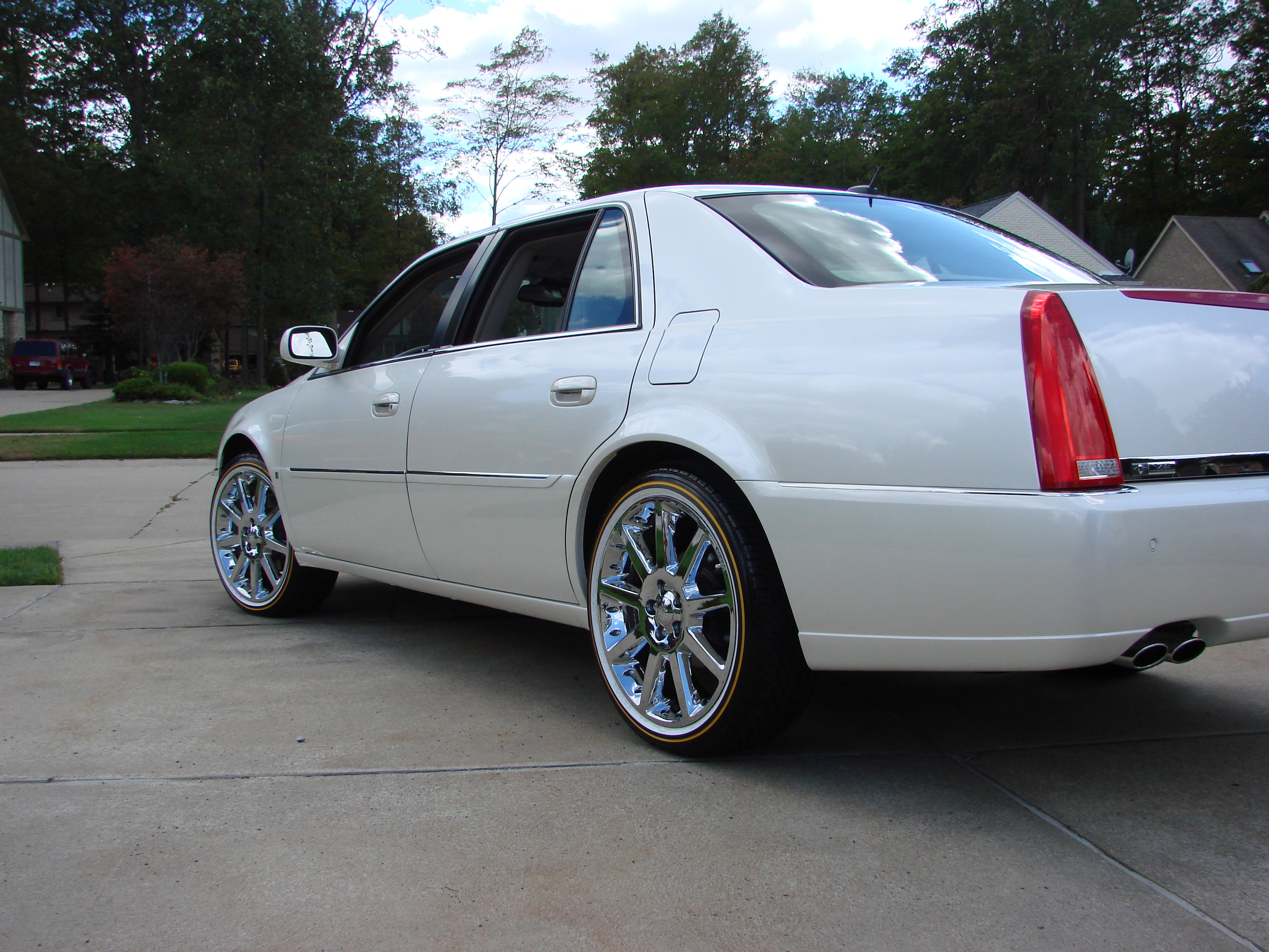 115495 Check Out My New Rims 22s also 361904463908 further Large 2014 03 21 12 01 27 besides 2015 Shelby Gt500 Photos together with Exterior 79148247. on 2011 cadillac dts with rims