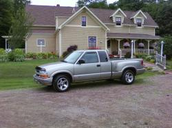 lucmac55 2001 Chevrolet S10 Extended Cab