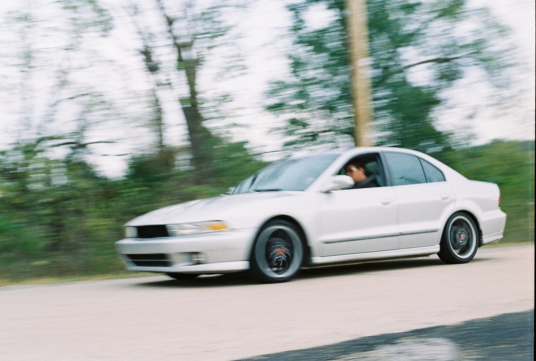 Another Bensart-glant 2000 Mitsubishi Galant post... - 15361571