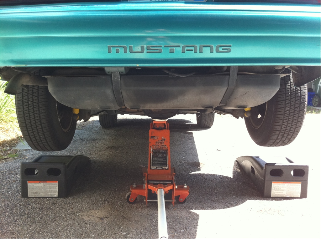 Fuel Filter Installation  Fuel Injected Mustangs 1983 To