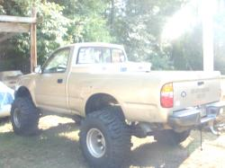 stuckiniraq37 2001 Toyota Tacoma Regular Cab