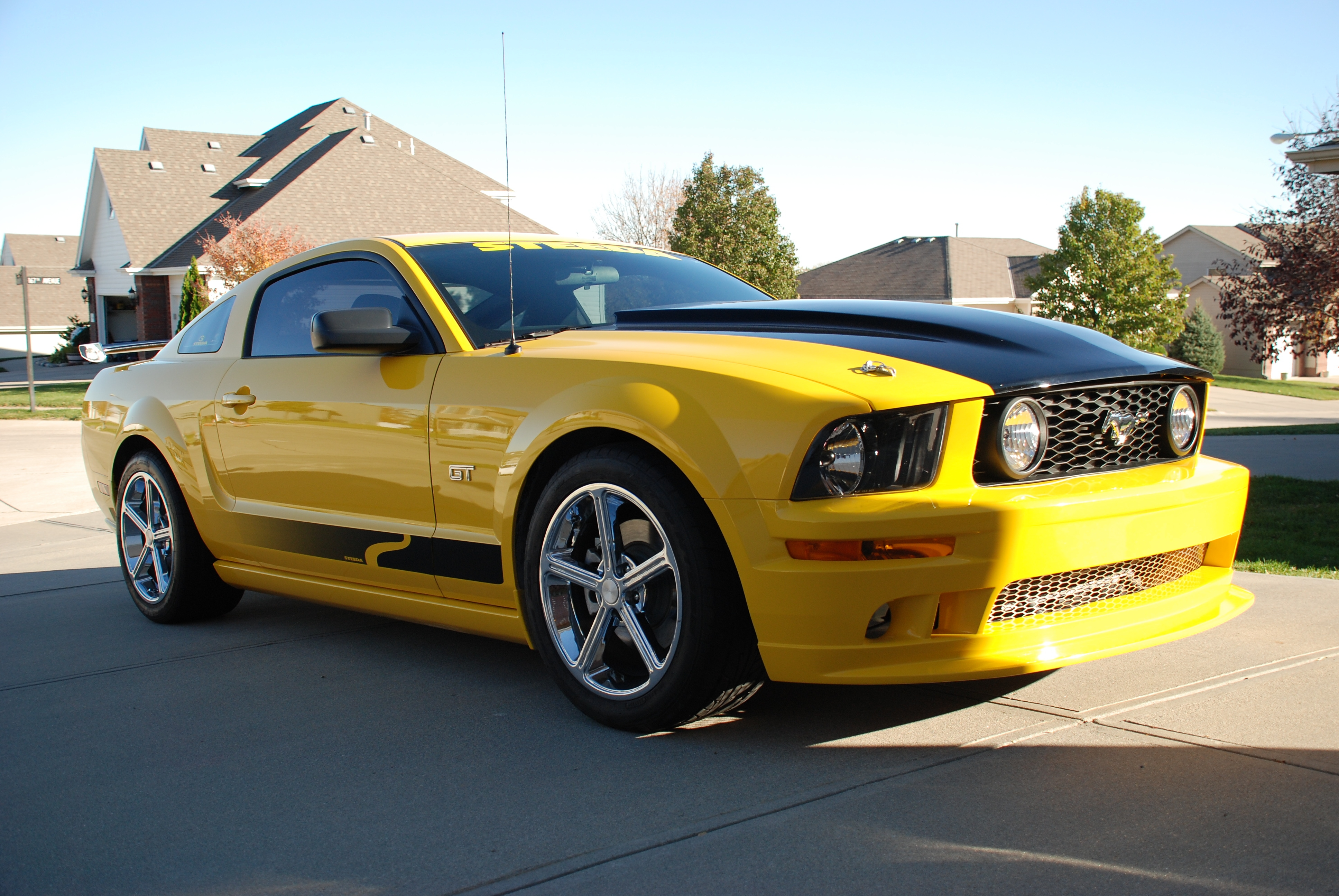 2006zephyr 39 s 2006 ford mustang gt deluxe coupe 2d in omaha ne. Black Bedroom Furniture Sets. Home Design Ideas