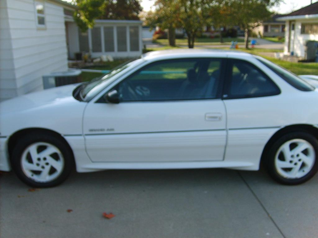 Hotrodmiltown 1995 Pontiac Grand Amgt Coupe 2d Specs