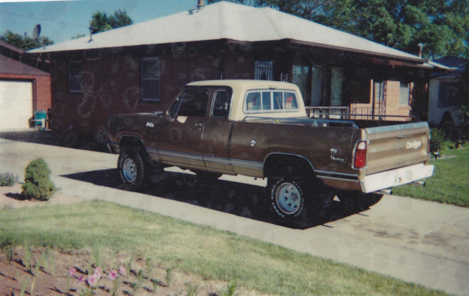 Another DODGELOVER1990 1976 Dodge Power Wagon post... - 14843458
