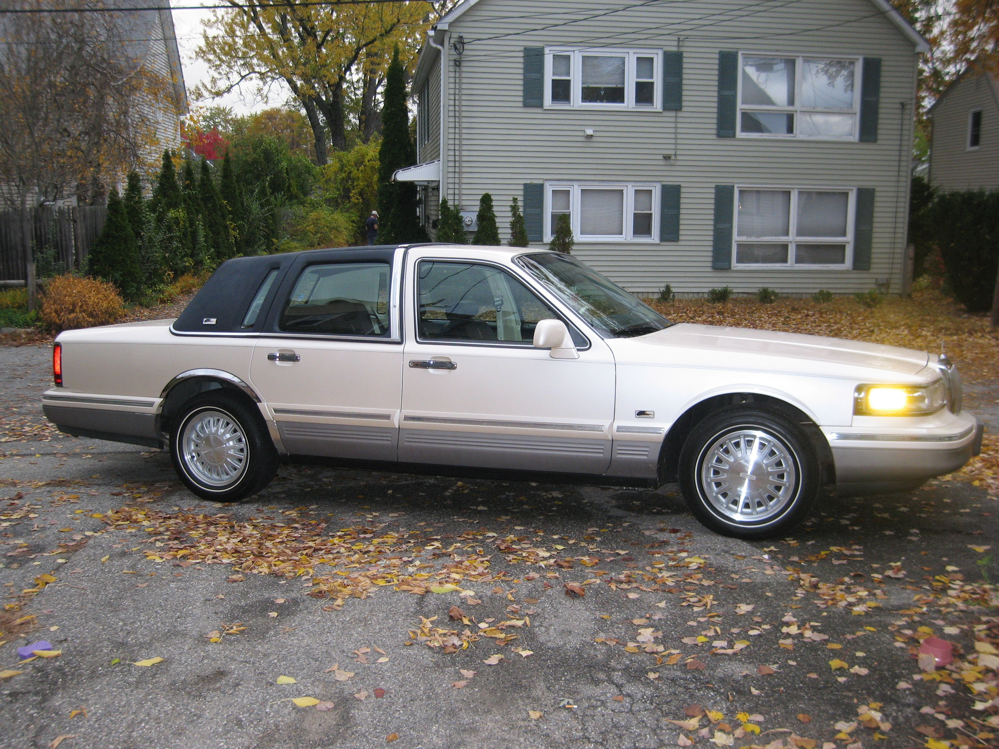 Another spinnakeredition 1995 Lincoln Town Car post... - 14843477