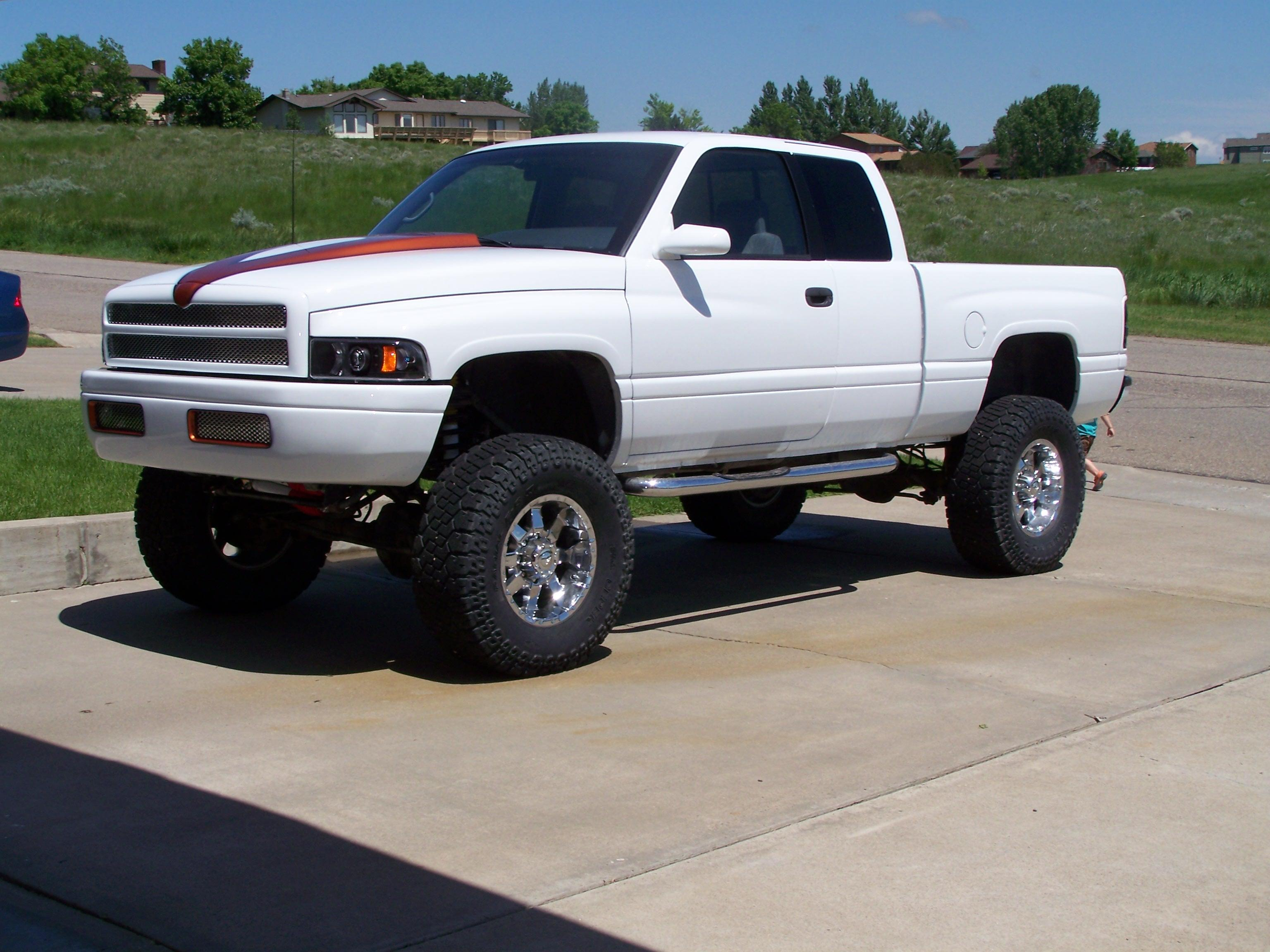 9livesnick 1997 dodge ram 2500 club cabshort bed specs photos modification info at cardomain. Black Bedroom Furniture Sets. Home Design Ideas