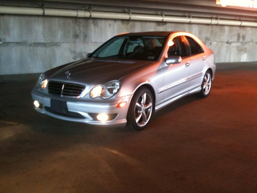 Cookehouston 2005 mercedes benz c classc230 sport sedan 4d for 2005 mercedes benz c class
