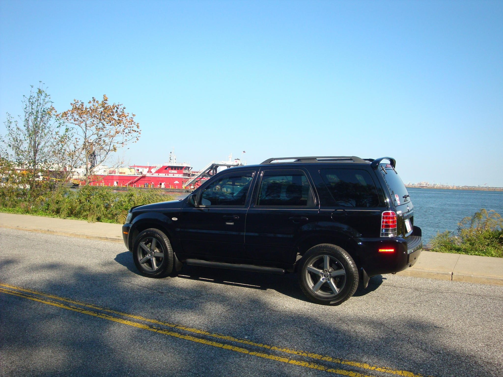 Another redceligt 2007 Mercury Mariner post... - 14853614