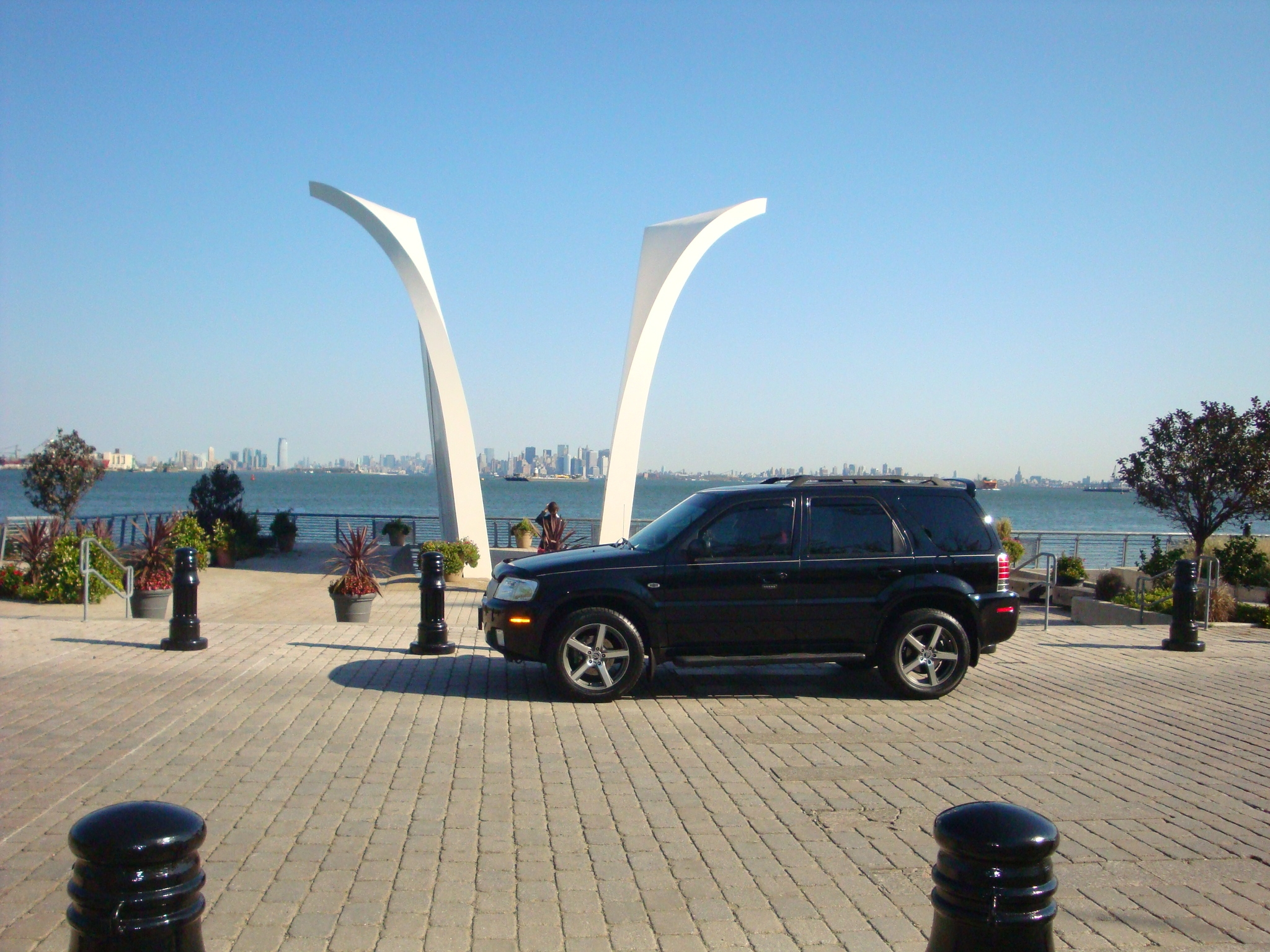 Another redceligt 2007 Mercury Mariner post... - 14853615