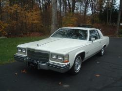 9296152s 1983 Cadillac DeVille