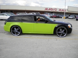ChrisTheBosss 2005 Dodge Magnum