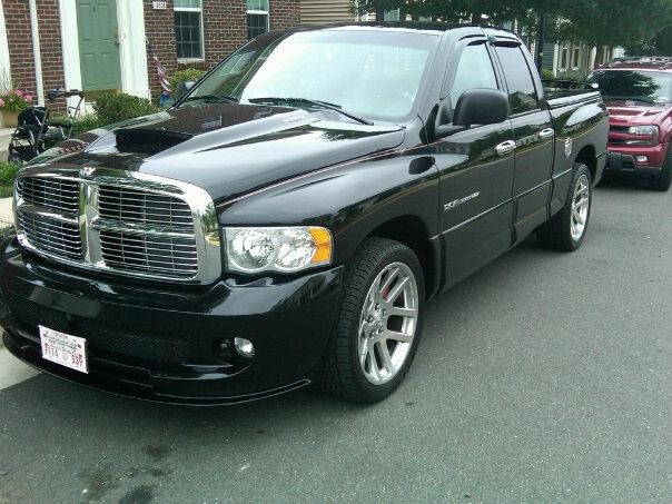 Pontiac_Grip's 2004 Dodge Ram SRT-10