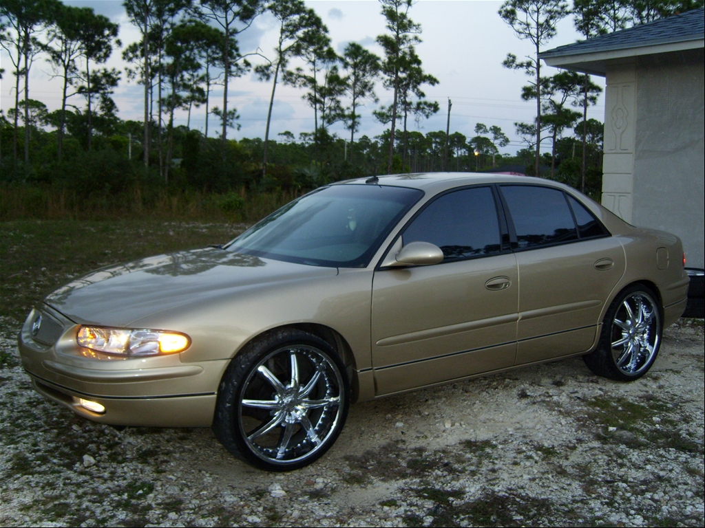 2004 Buick Regal LS Sedan 4D
