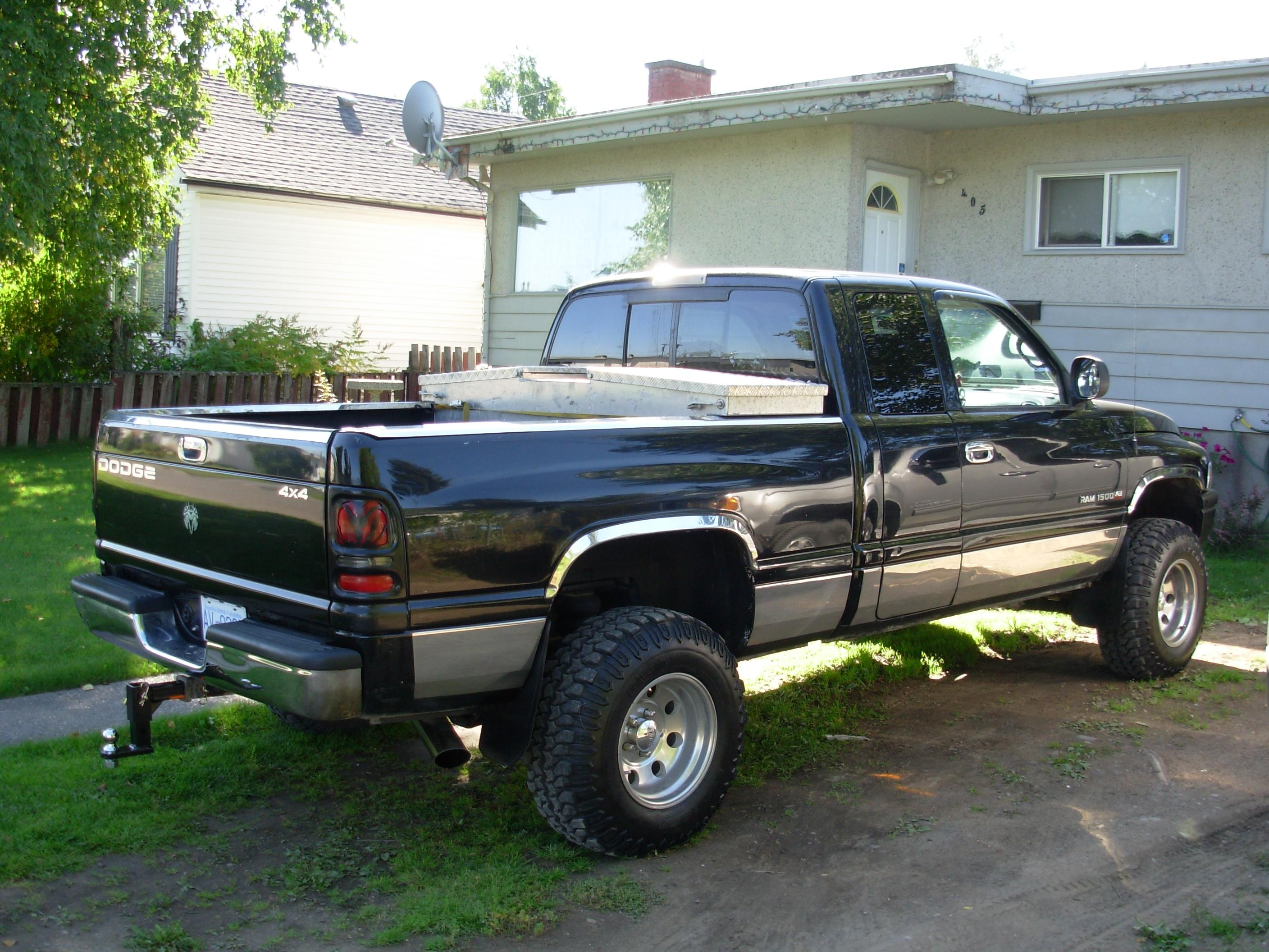 95chevycav 1999 dodge ram 1500 quad cabshort bed specs photos modification info at cardomain. Black Bedroom Furniture Sets. Home Design Ideas