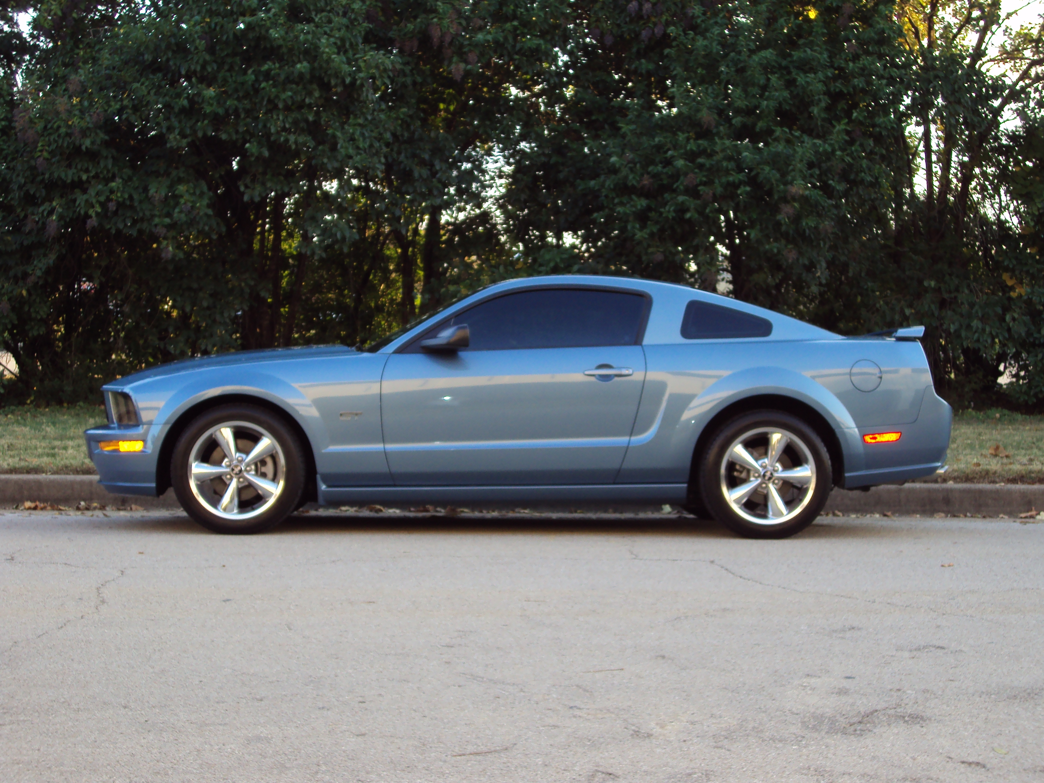Another gidy_up15 2006 Ford Mustang post... - 14875065