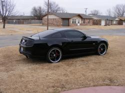 shanetreid05s 2011 Ford Mustang