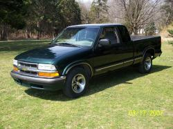staticsdime01 2001 Chevrolet S10 Extended Cab