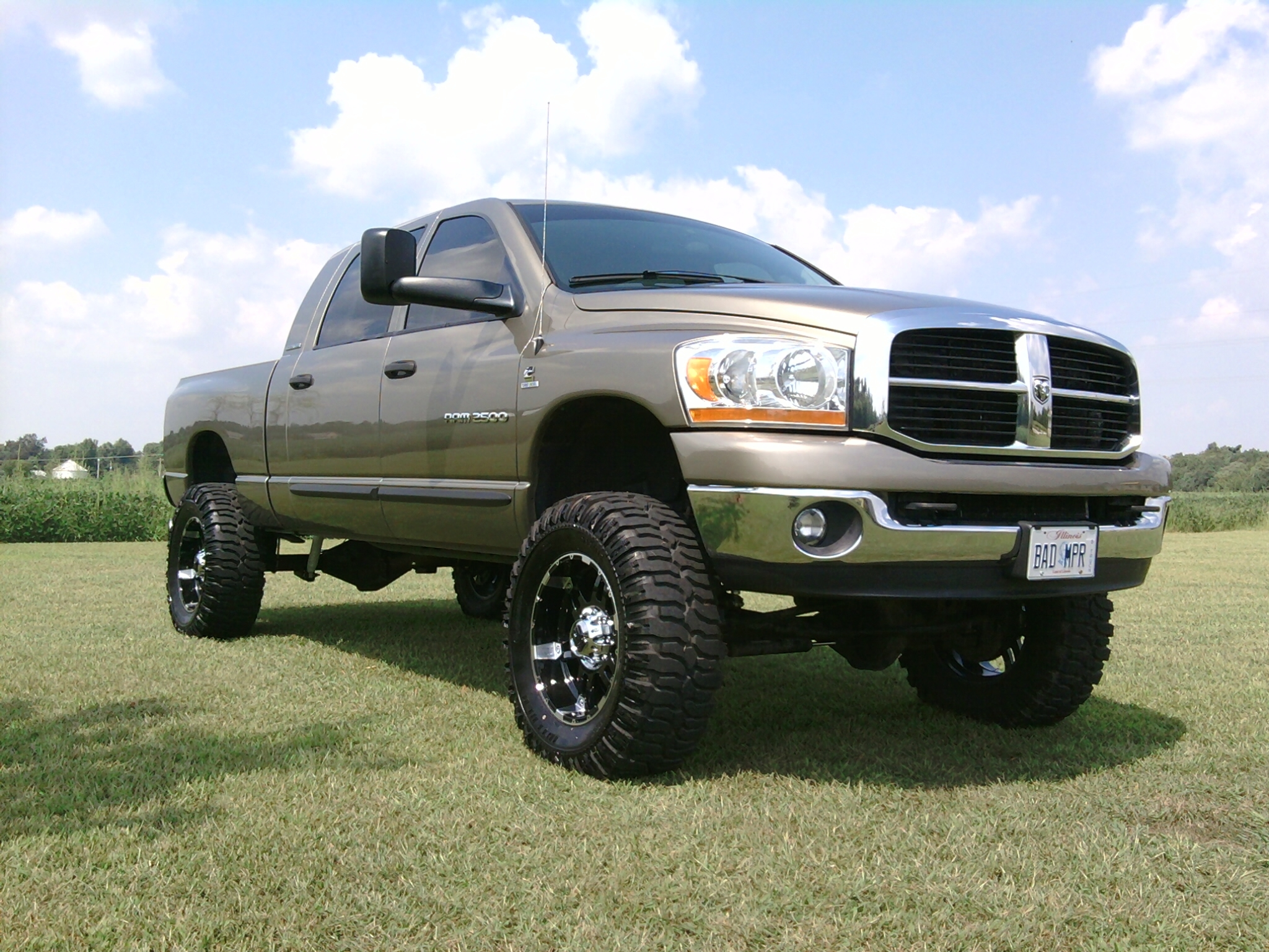 Badmpr1 2006 Dodge Ram 2500 Mega Cabslt Pickup 4d 6 1  4 Ft