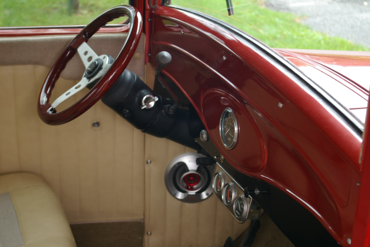 Another Charlenator 1933 Ford Custom post... - 14896873