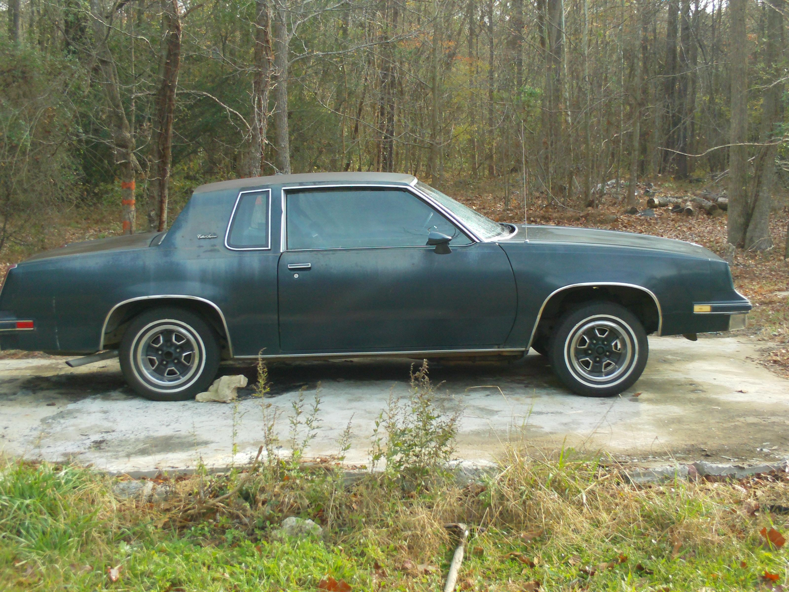 ChrisCutlass-919 1985 Oldsmobile Cutlass Supreme