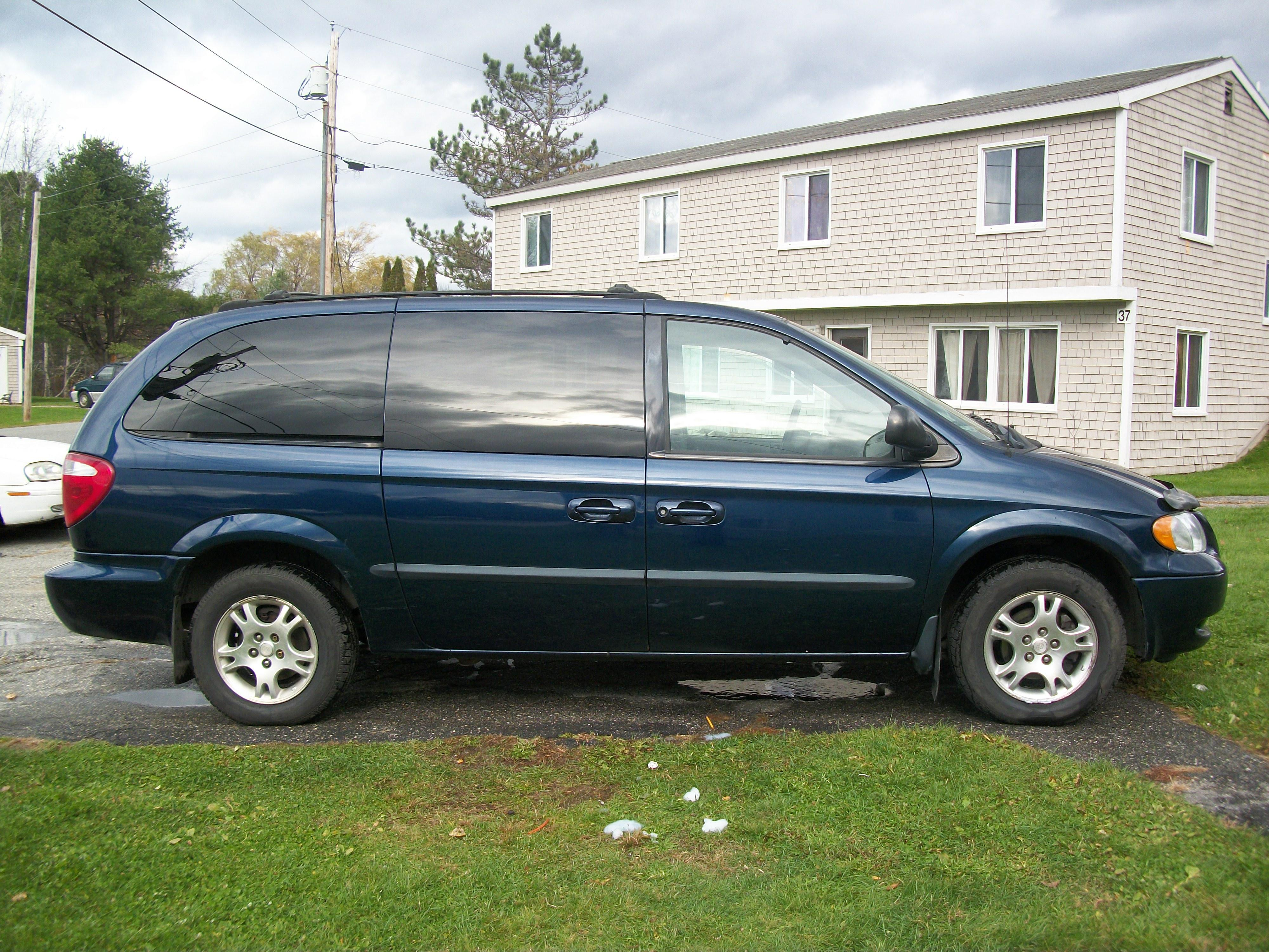 TwistedTea's 2002 Dodge Grand Caravan Passenger