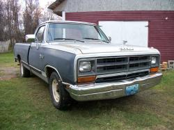 1988 Dodge D150-Regular-Cab