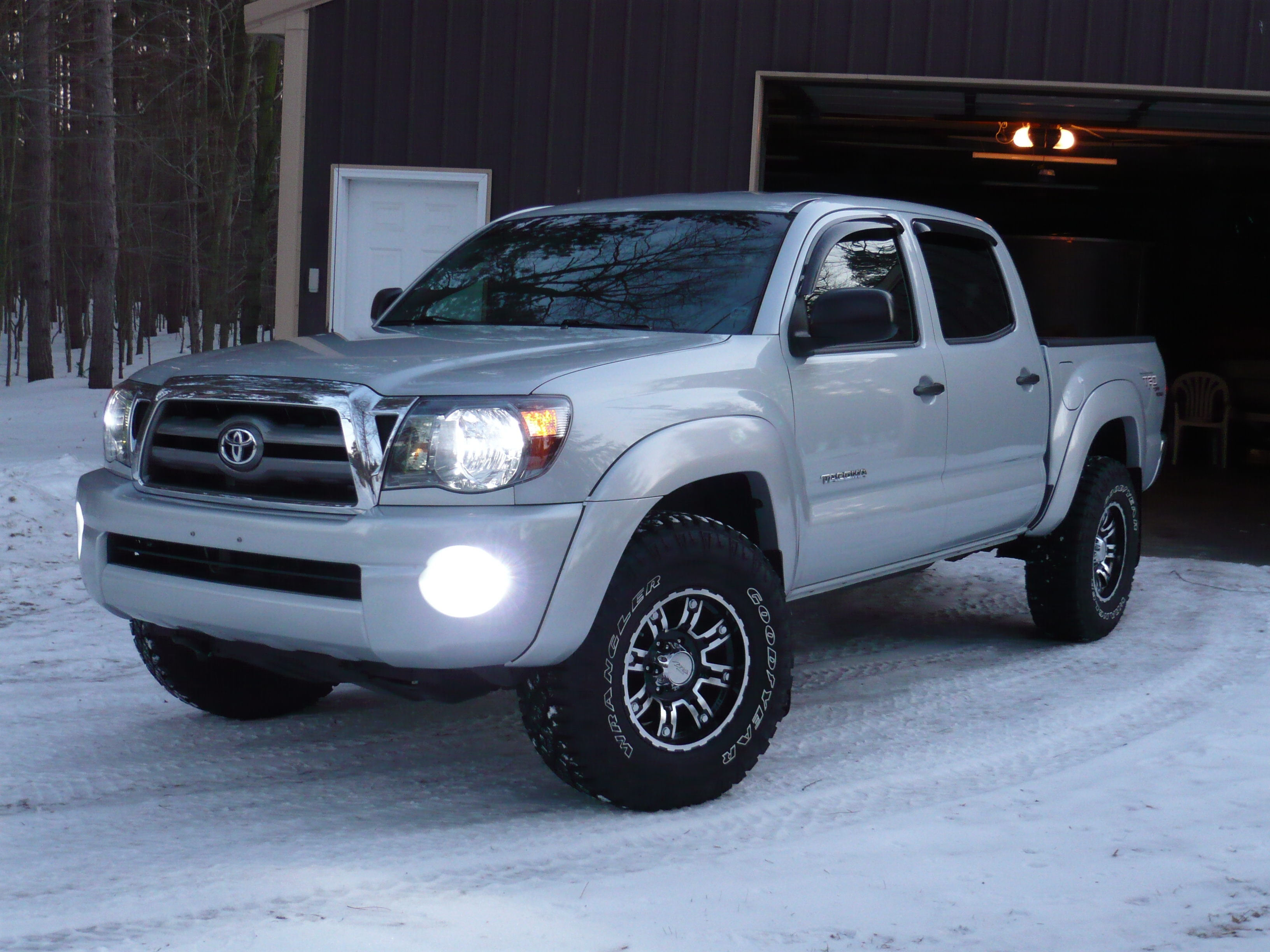 Shawnfrontier 2009 toyota tacoma double cabpickup 4d 5 ft - 2013 toyota tacoma interior accessories ...