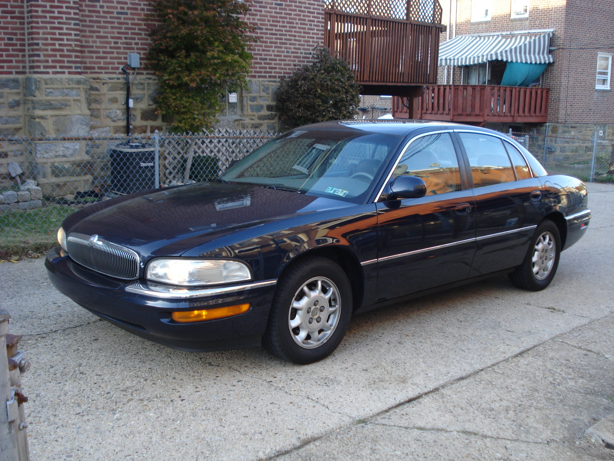 philly ave 39 s 2002 buick park avenue ultra sedan 4d in. Black Bedroom Furniture Sets. Home Design Ideas