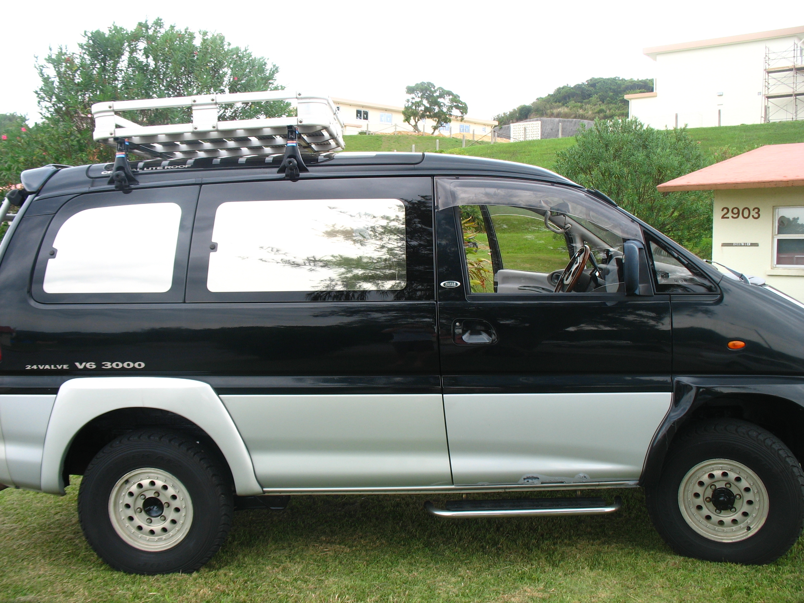 Another Syzzlak 1994 Mitsubishi Van post... - 14924052