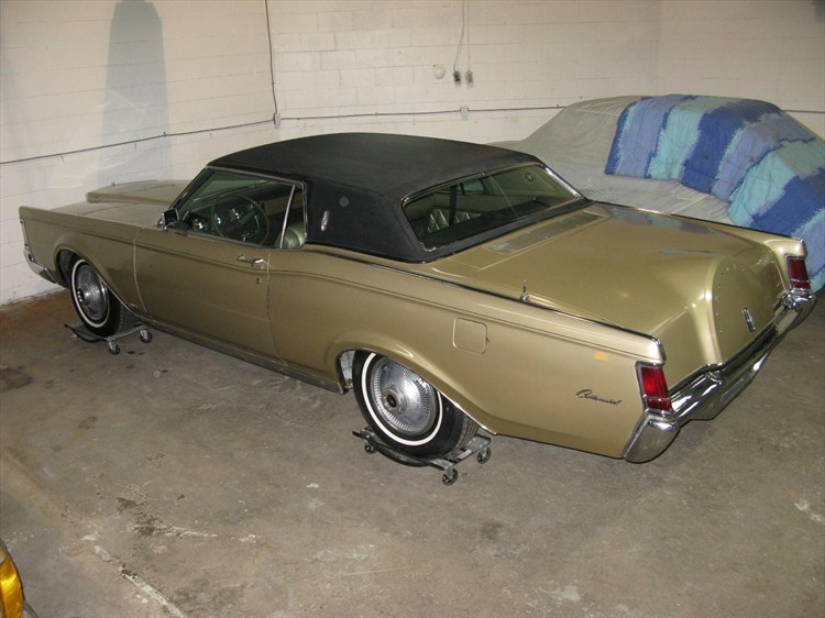 haloonie's 1969 Lincoln Mark